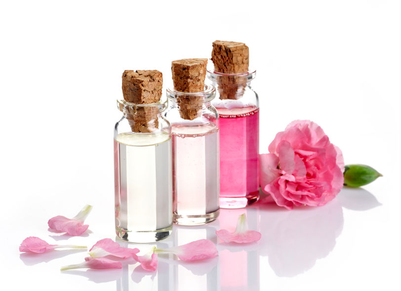 Rose Essential Oil To Protects Your Skin From Aging What