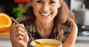 800_woman-eating-soup