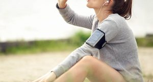 woman-drinking-water-6-ways-boost-your-metabolism